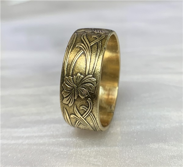 Art Nouveau 14K Gold Floral Design Wedding Band