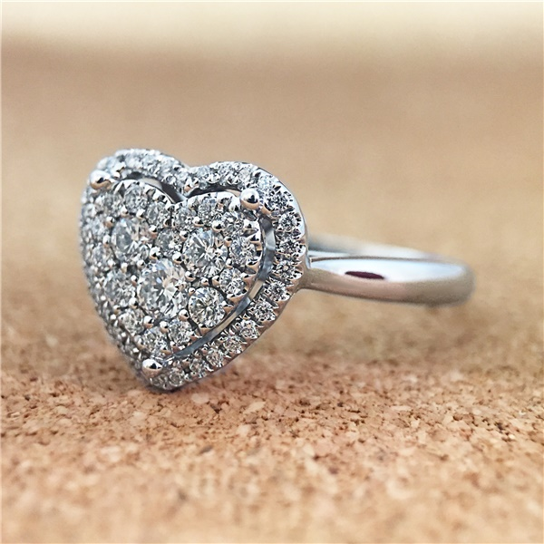 Ladies 14K White Gold & Diamond Heart Ring - gorgeous!