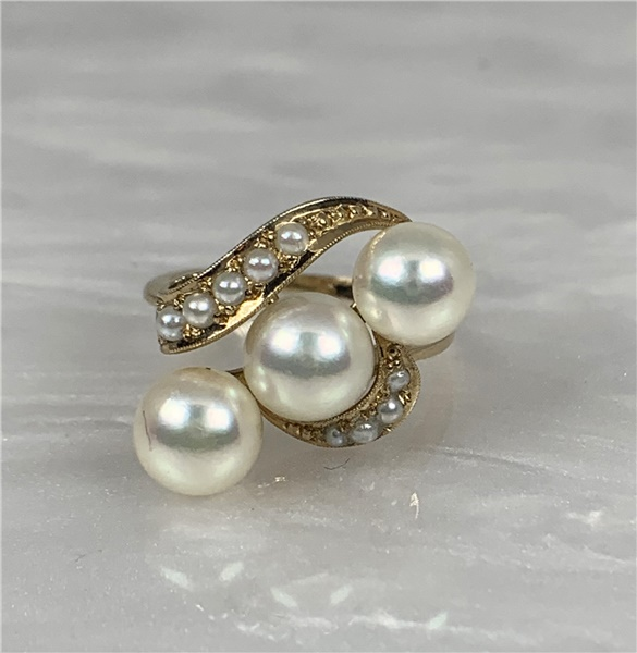 18kt Yellow Gold and Pearl Vintage Ring